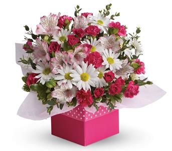 Description: Polka dots and posies, they are the perfect pair. Well, at least in this pretty arrangement they are.