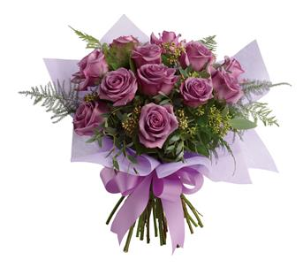 Description: The luxurious choice for the lavender lover in your life, this dazzling dozen will win their heart with its delicate greens and sweet scent.